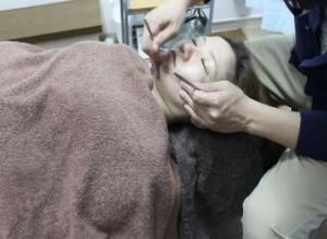 刺さない美容鍼